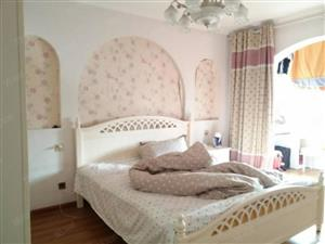 宏鑫花园,多层精装三房复试,带大露台,业主诚心出售看房方便