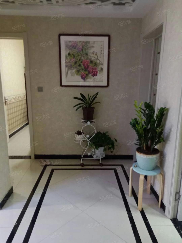 出租精装经典两室一厅,家具家电齐全,拎包入住,随时看到,