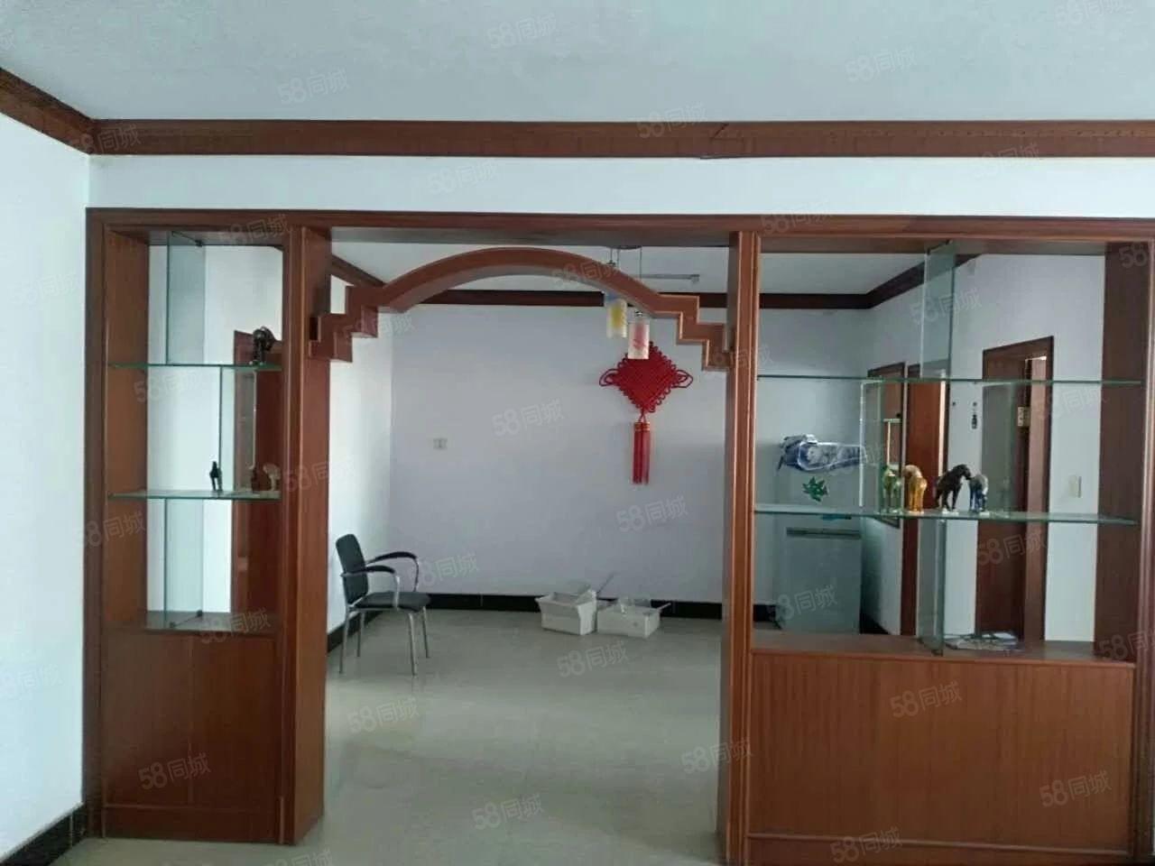 华丰小区步梯4楼简单装修3室2厅2卫月租1000元