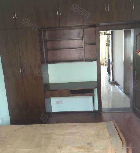 北门兴发居3室2厅120平米中等装修家电家具齐全