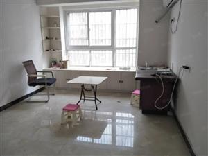 正基领上城3室套房出租,简单装修,年租1.4万