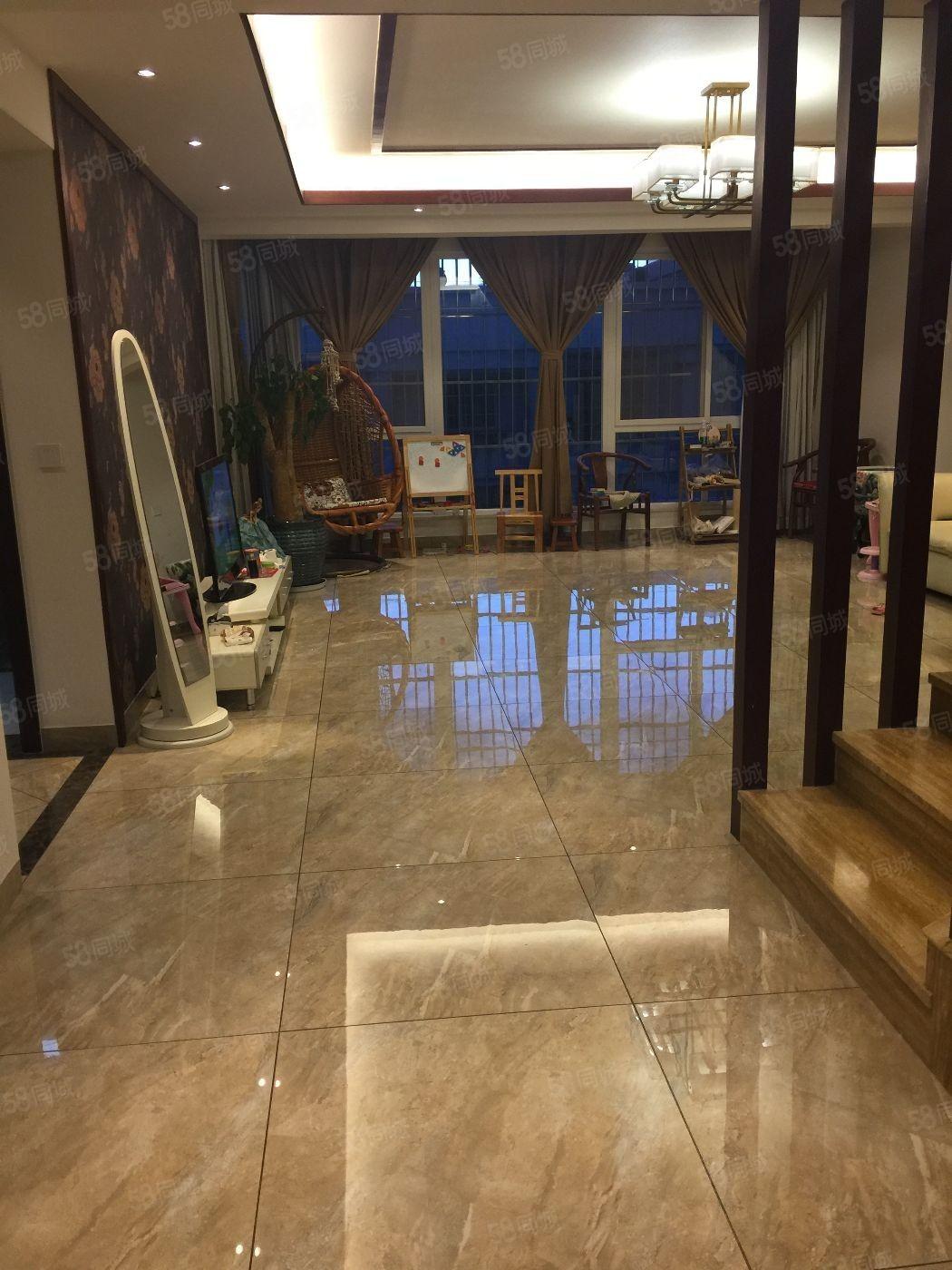 尚易家园现代欧式精装房235平5室带车库仅装修了1年多