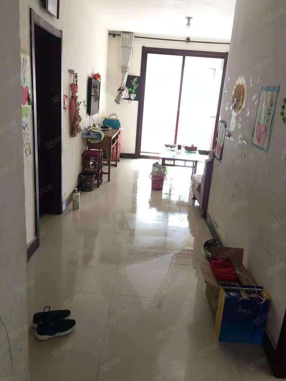 www.bifa365.com:四季阳光2/2/1,简单装修,带家具家电。