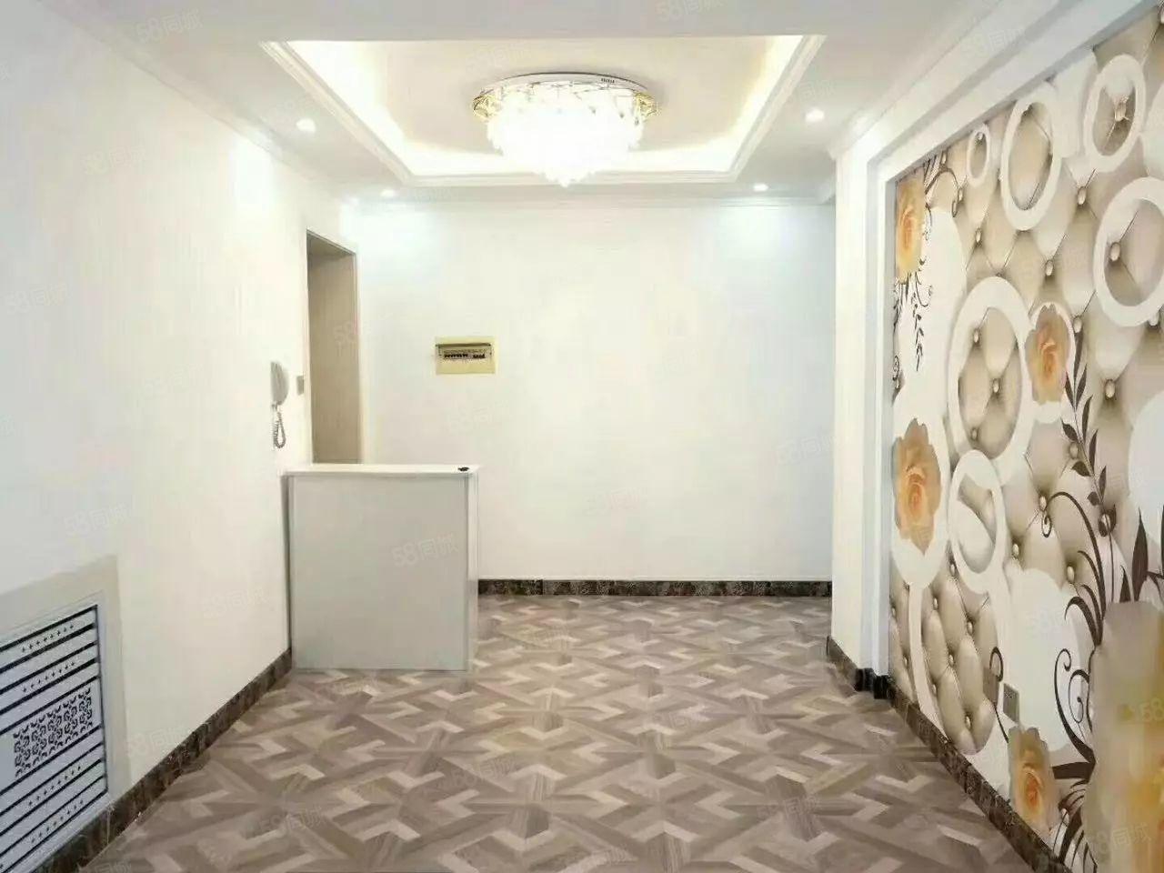 安居园一楼带小院三室一厅两卫南北通透精装修45.5万