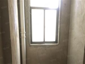 崇左八大区凭祥小区毛坯4房138平米有钥匙