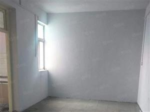 建安小区小三室仲景北路尚/城国际附近可按揭随时看房