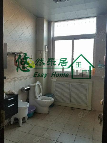 悠然房产金太阳公寓三层小别墅精装修,大产权可过户,可贷款