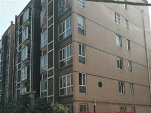 888真人娱乐凤凰现代城、新房现房三室,成熟小区周边学校,出行方便!