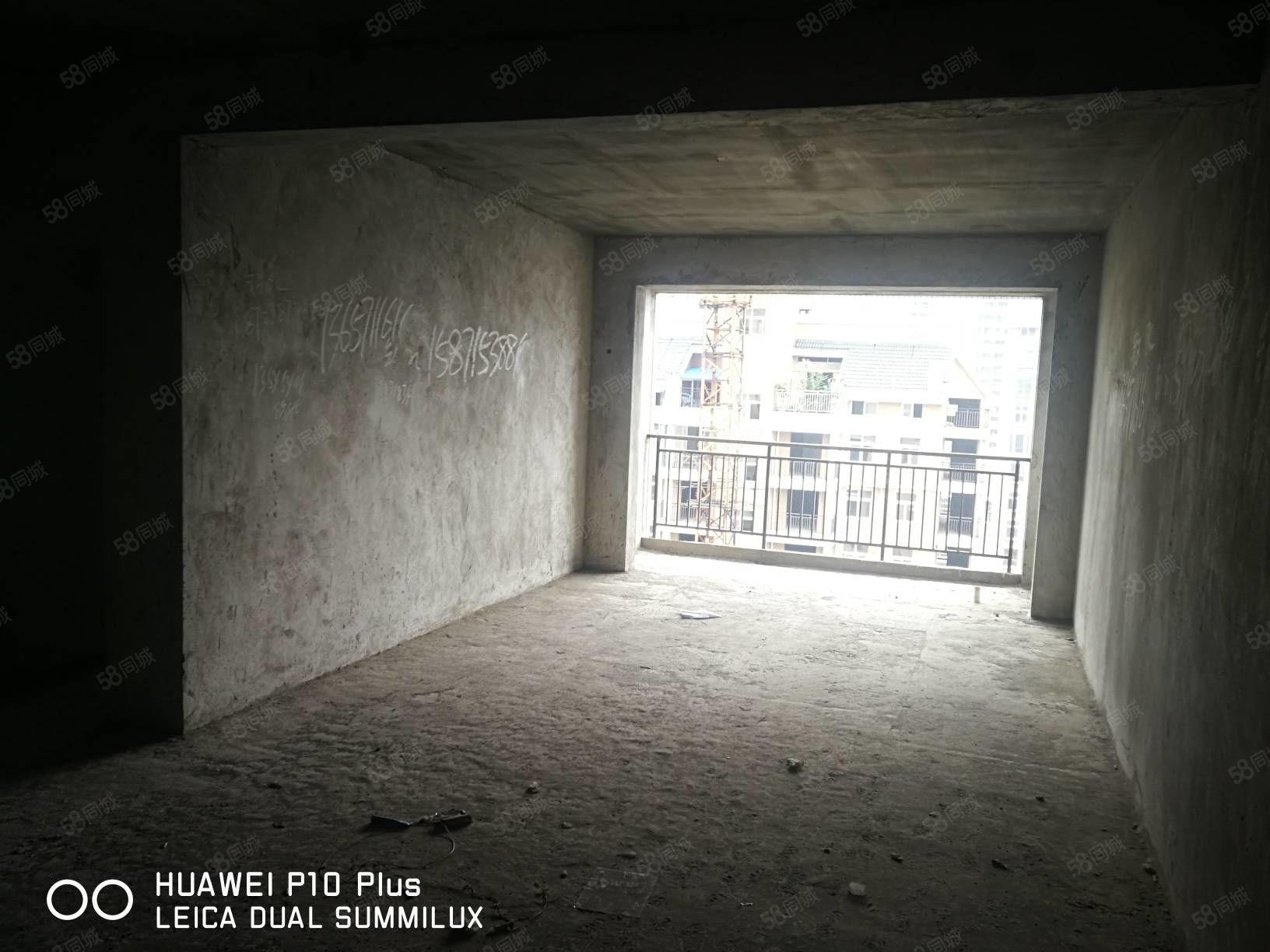 莲花雅苑电梯中间楼层毛坯128平朝南好户型单价7000