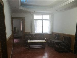 永庆好房:象山大道林业局院内2楼大3房拎包入住租金2500元