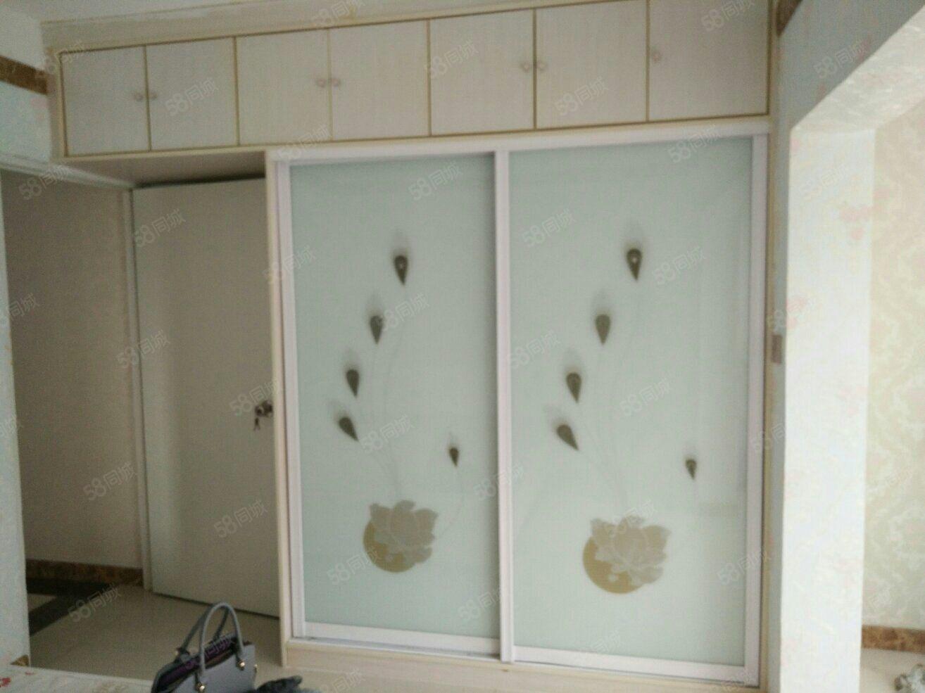 急租阳光馨苑B区1室1厅1卫室内精装修带家具