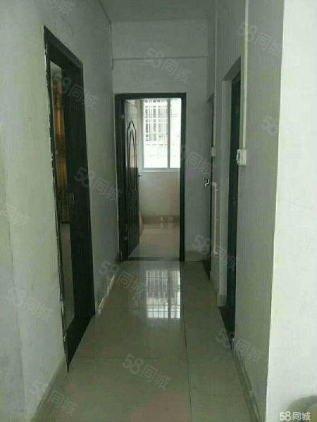 笋!苑山小区、简装2房(带套房)、步梯3楼、证过五年、首期低