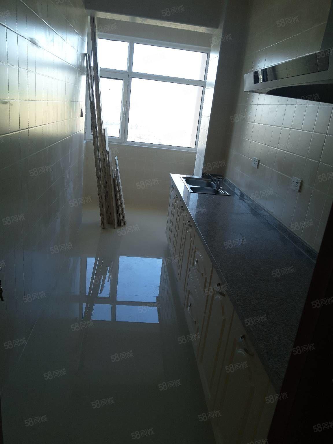 新建路大欣城附近三室一厅精装修有家具拎包入住好房快抢
