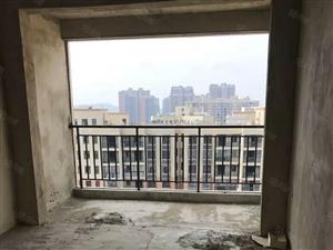国际康城,电梯毛坯小三房,三面采光中间楼层