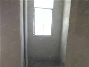 府东阁127平方三室两厅二卫住一楼毛坯有证带车库28平方
