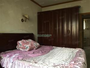 贡井虎头桥土地坡交警队旁多层3楼精装2室便宜出租