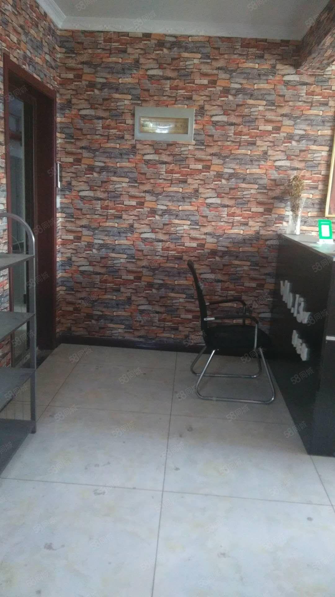 永绥街+华城国际湖岸观景精装空房诚意出租