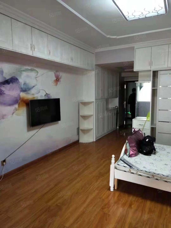 金博大西塔精装一室一厅