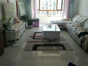 天鸿国际小区两室一厅顶楼6楼28万