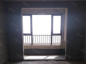 名门郡景现房,三房环境好可网签可分期,有钥匙。