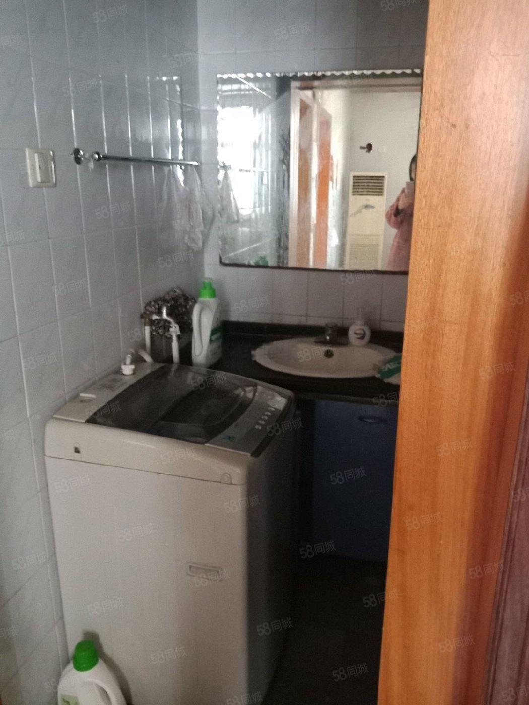 玉泉路口气象局人人乐附近2室1厅1卫家电齐全一层出租