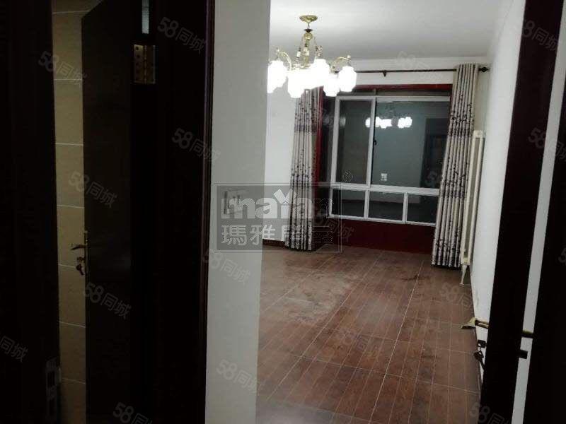 玛雅房屋市中心银都国际大三室精装办公诚心出租非诚勿扰