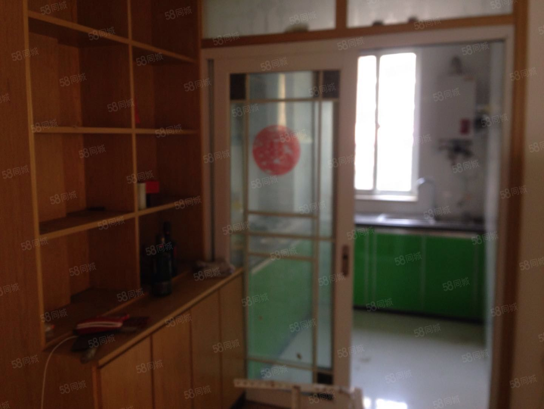 四季阳光城2室2厅一楼