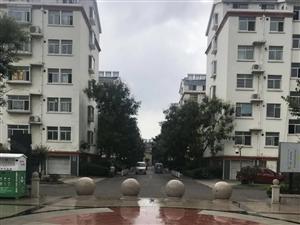 颐兴园客厅通阳台南北通透带配房位置好户型佳
