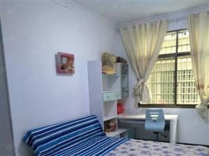 鼎山公园附近,住1楼,3室2厅2卫,带车库,带双阳台,齐