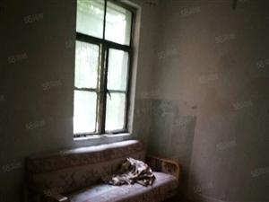 金象小区小户型低楼层老人房出售