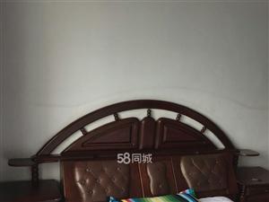 北京路烈士陵园北门1室1厅1卫