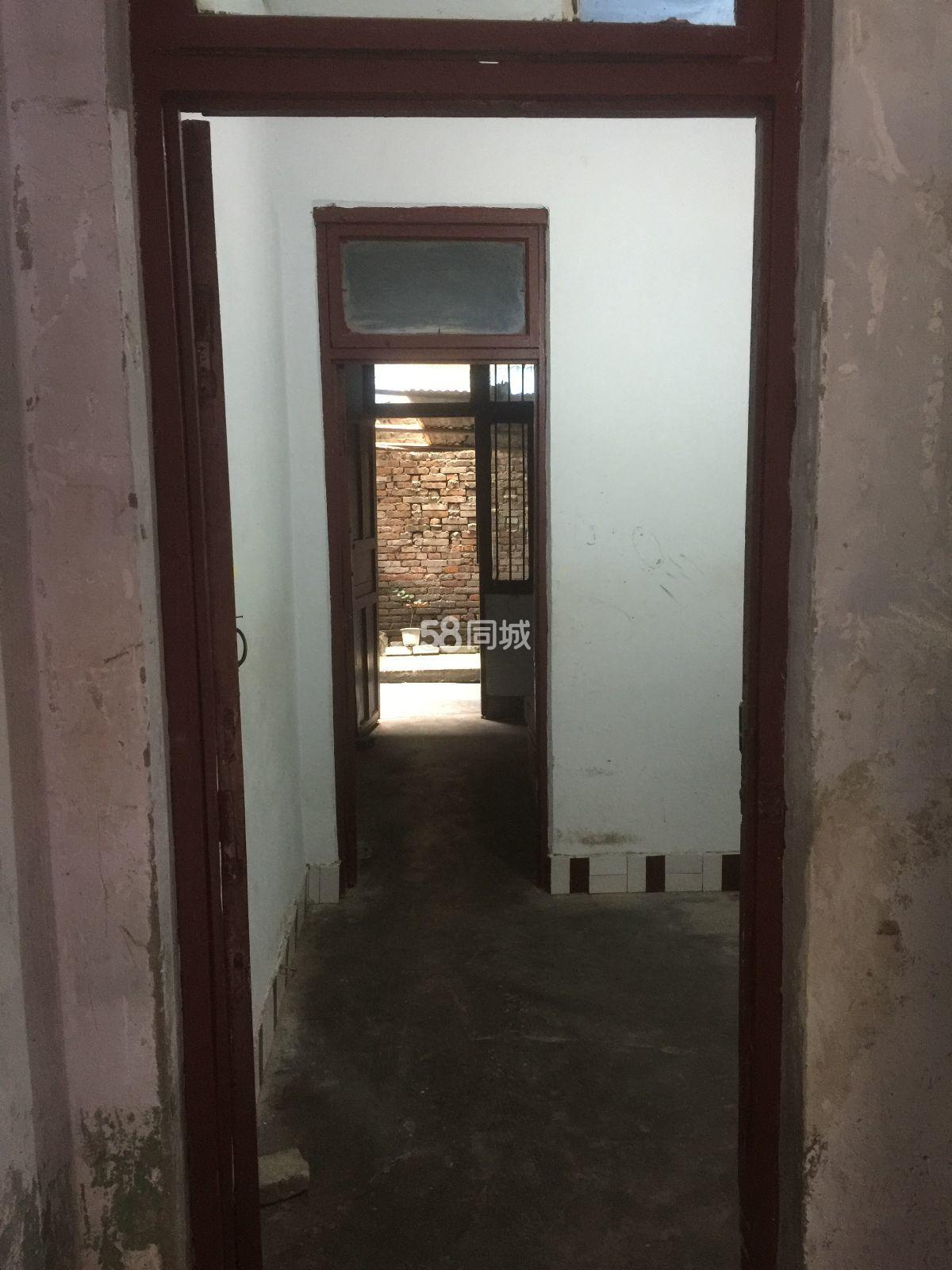 南小区1室1厅1卫