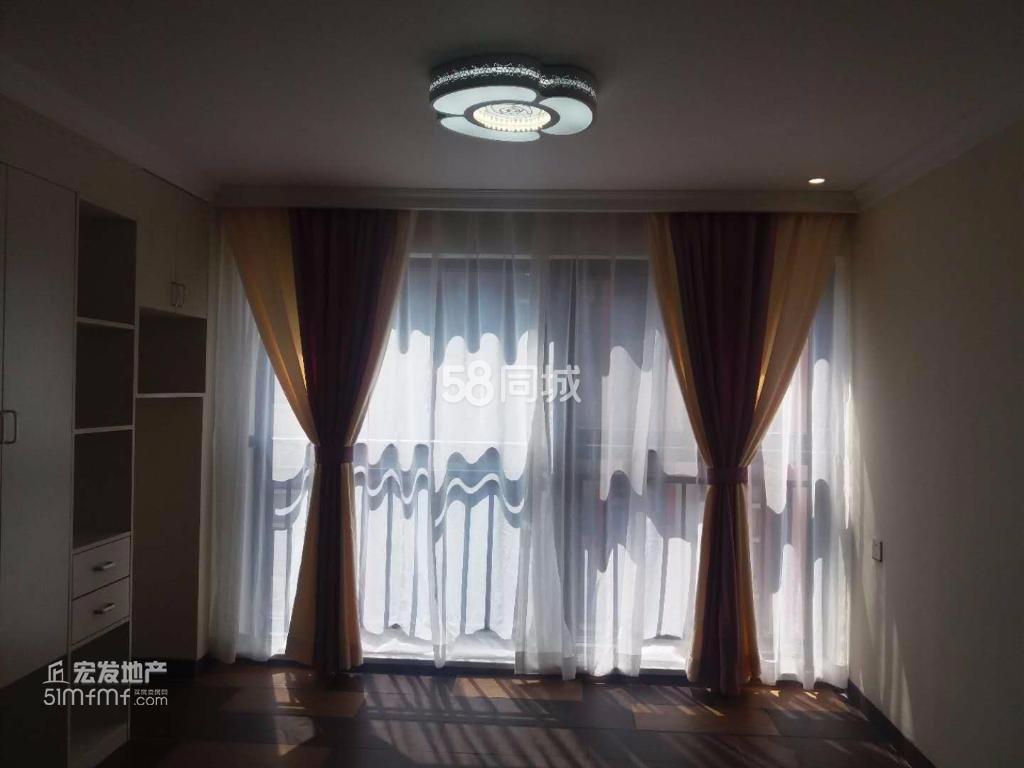 时代广场1室0厅0卫