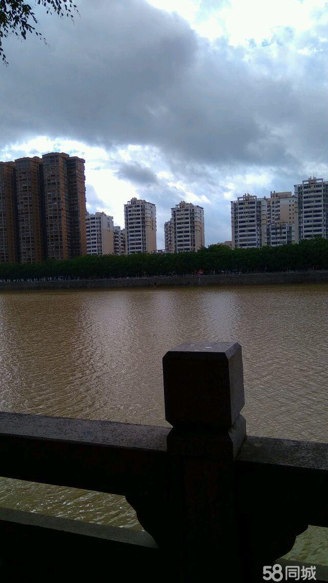 三远江滨花园4室2厅2卫