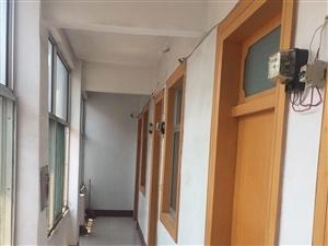 吉品街自建房出租1室0厅0卫