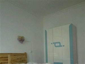 红河雅苑3室2厅2卫