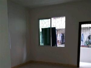 三楼新东市场附近4室2厅1卫