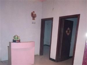 御景华苑4室2厅1卫一楼带十平方院