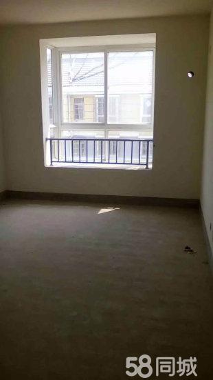 定远县示范街小区三室两厅低价出售