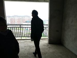 屈家岭管理区老派出所对面3室2厅1卫