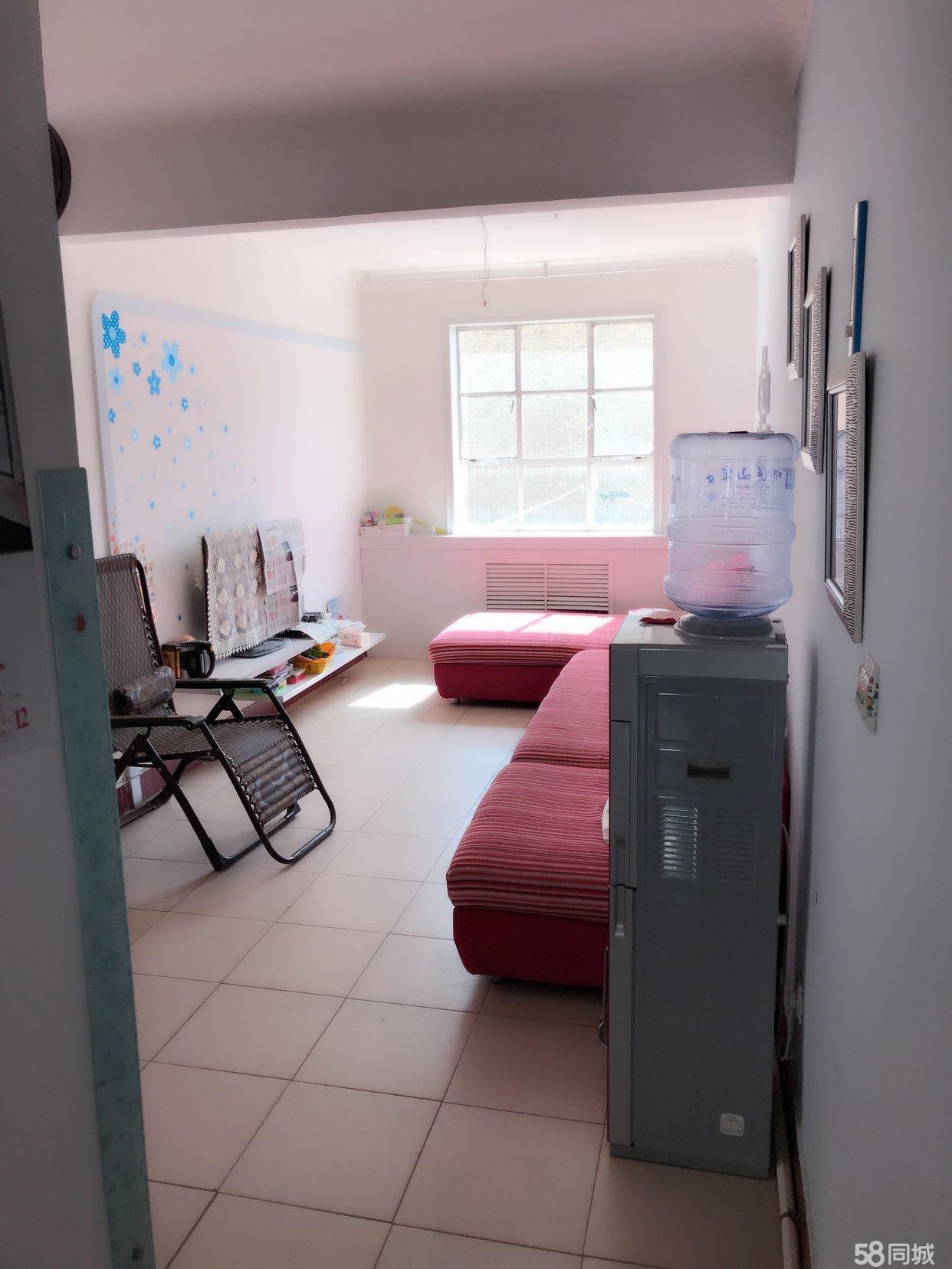 青年街建行家属院3室1厅1卫