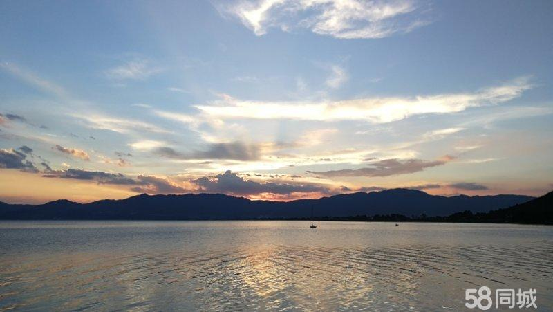 澳门拉斯维加斯网址抚仙湖一手豪装湖景70年产权现房公寓限量发售即买即收益