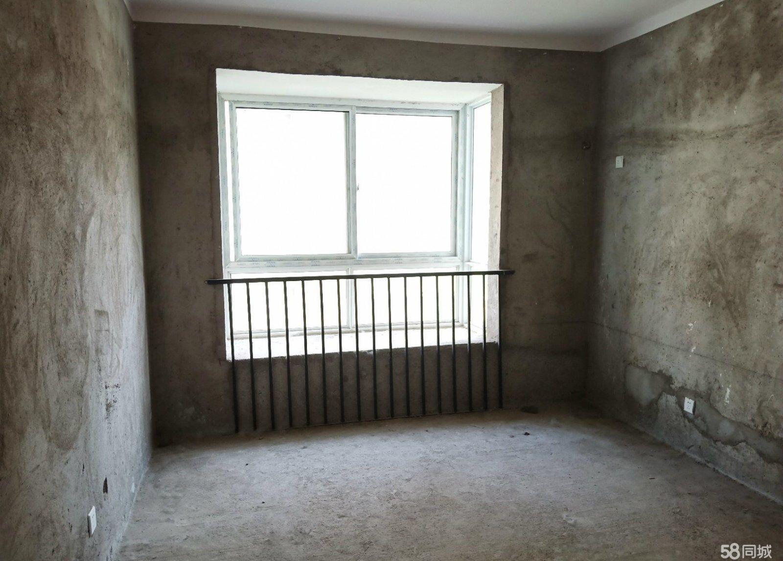 香榭丽舍4室2厅2卫送地下储藏室