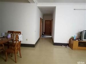 江州江州区粮食局3室2厅2卫134平米