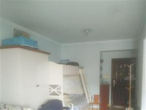 一中对面优质学区房,精装,送家具家电