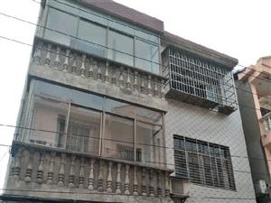 澳门太阳城娱乐城区汽摩城附近三层独立楼出售2室2厅1卫