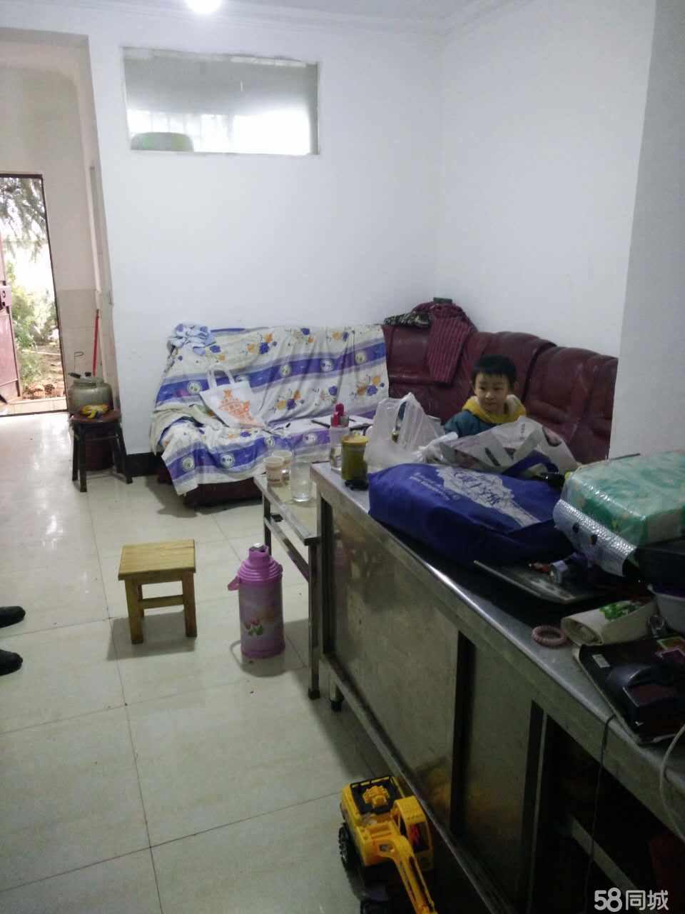 澳门拉斯维加斯娱乐翠华镇中学2室1厅110平米简单装修年付
