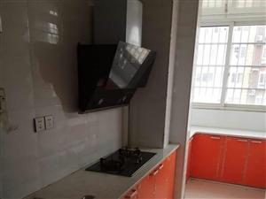美高梅注册碧水花园3室1厅简单装修13楼电梯房