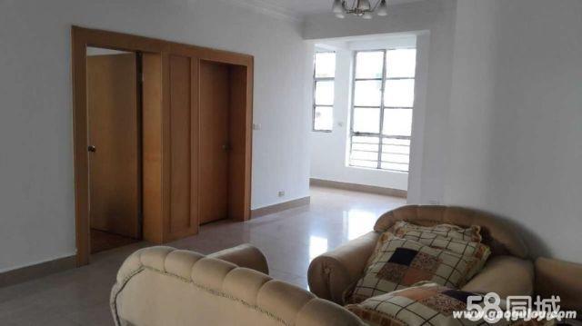 珊瑚路18号供电局生活区三楼3室2厅94平米