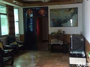 丹江口均州二路与丹二巷交叉3室1厅1卫121平米